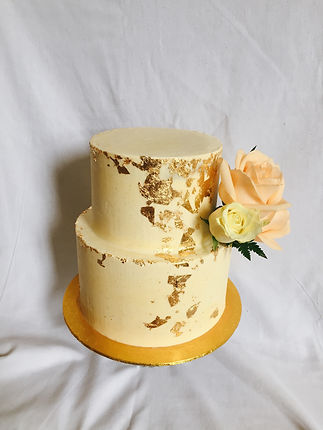 Two tier gold floral posy.JPG