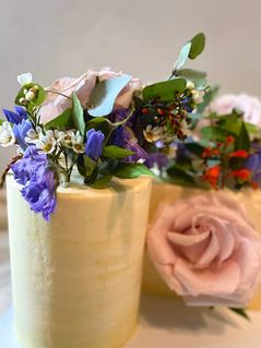 Floral%20posy%20cake%20duo_edited.png