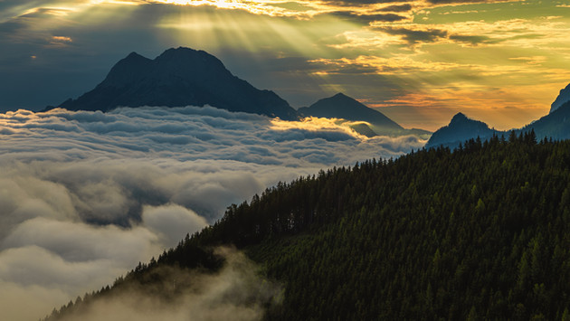 Sunrays above Great Buchstein