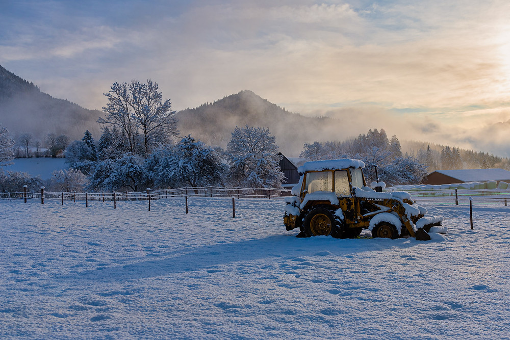 Snow covered Wheel Loader | Hall | HolgerOlivier Photography