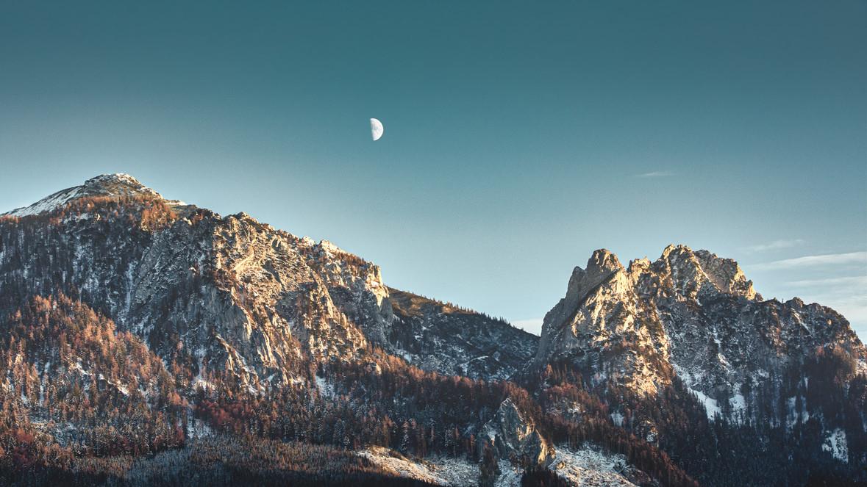 Moonrise above Mount Kreuzkogel and Mount Hahnstein