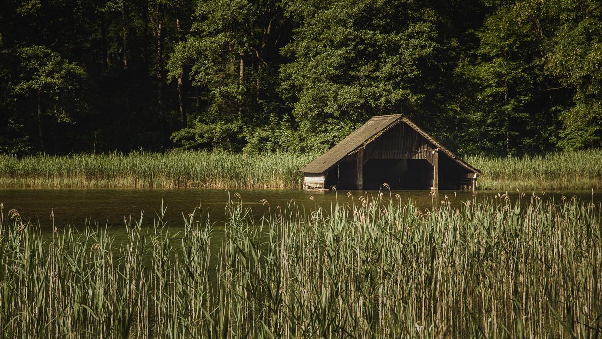 Hut & Reed | Leopoldsteiner Lake