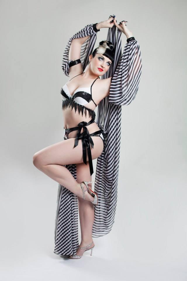 Lila Luxx