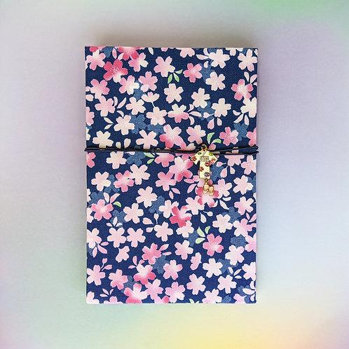 手工和風布藝相簿 - 漫天櫻櫻 Sakura Rain (情人節特別版2021相簿材料包)