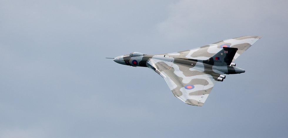 Vulcan Woodford Flypast 5(1)_edited.jpg
