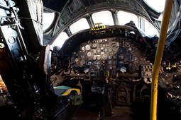 Vulcan XM602 cockpit 2.jpg