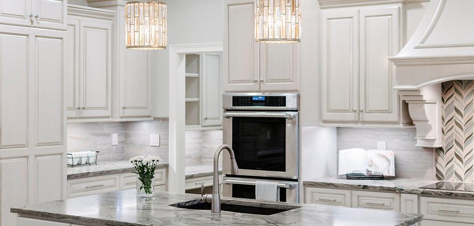 white farmhouse kitchen_edited.jpg
