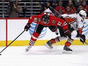 Blackhawks star Marian Hossa injured in 3-2 loss to Ducks