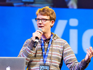 YouTube Vlogger and VidCon Creator Hank Green to Release Debut Novel Next Year