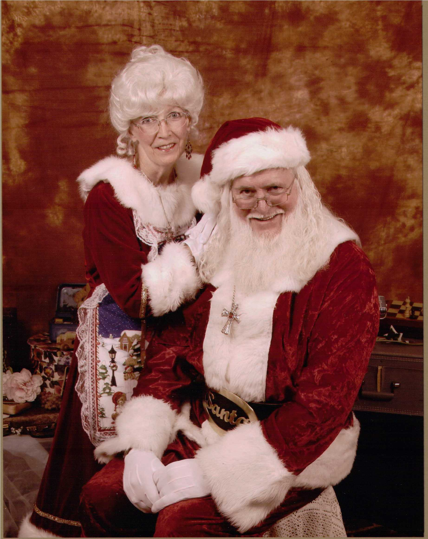 Santa-Mrs+2-13