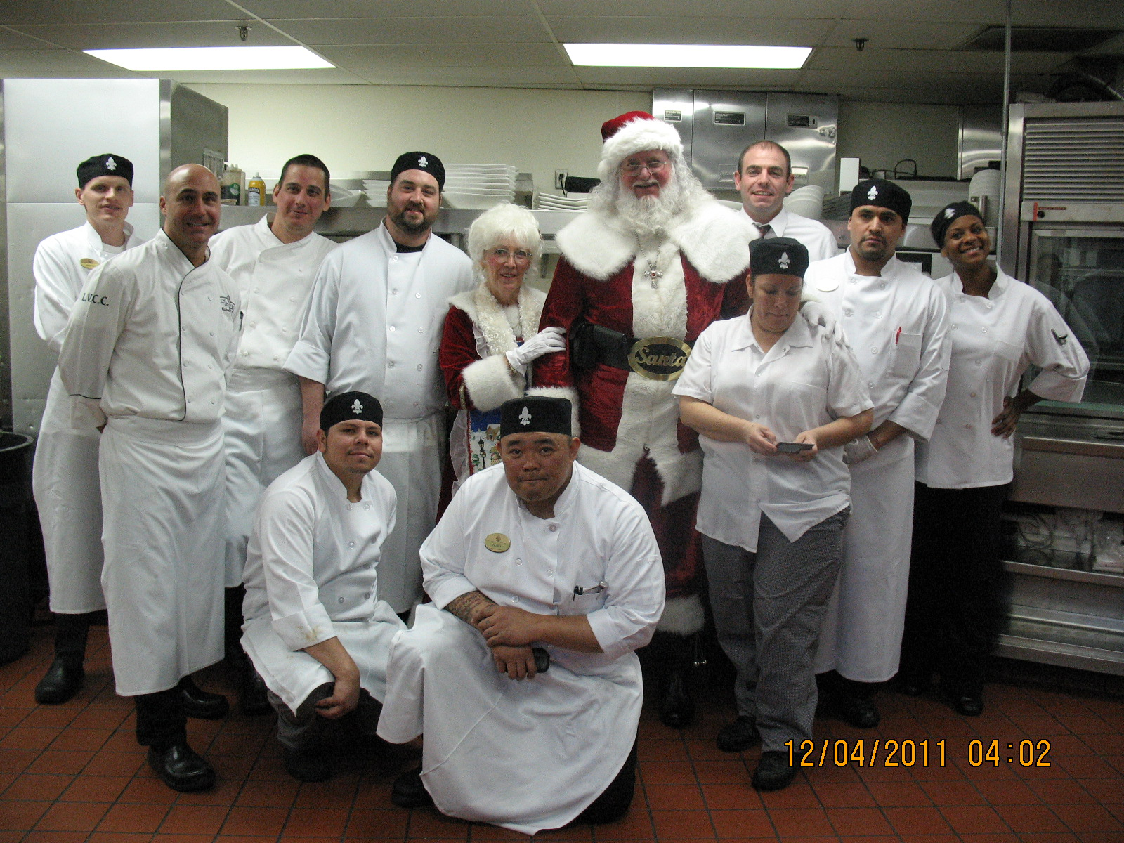 Santa+MrsC-Chefs@LVCC