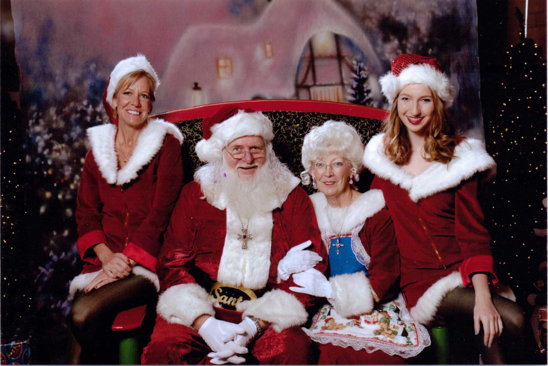 OLLV+Team+Santa