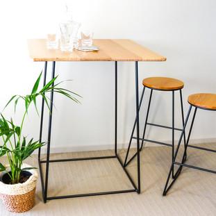 Bar table & stools