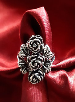 Triple Rose Ring