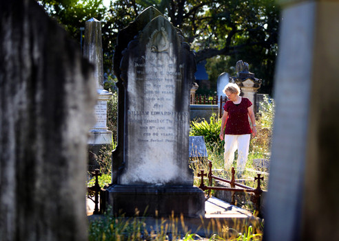 Grave-Tombstone-Cemetery.jpg