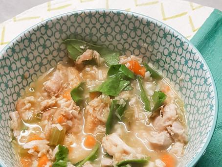 Sopa de frango com alho