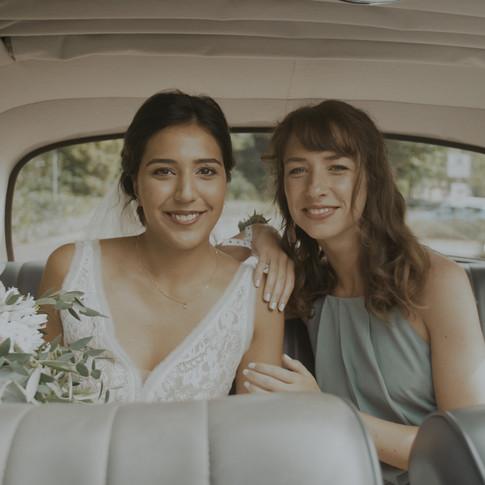Braut und Brautjungfer   Lux et Umbra Hochzeitsvideografie