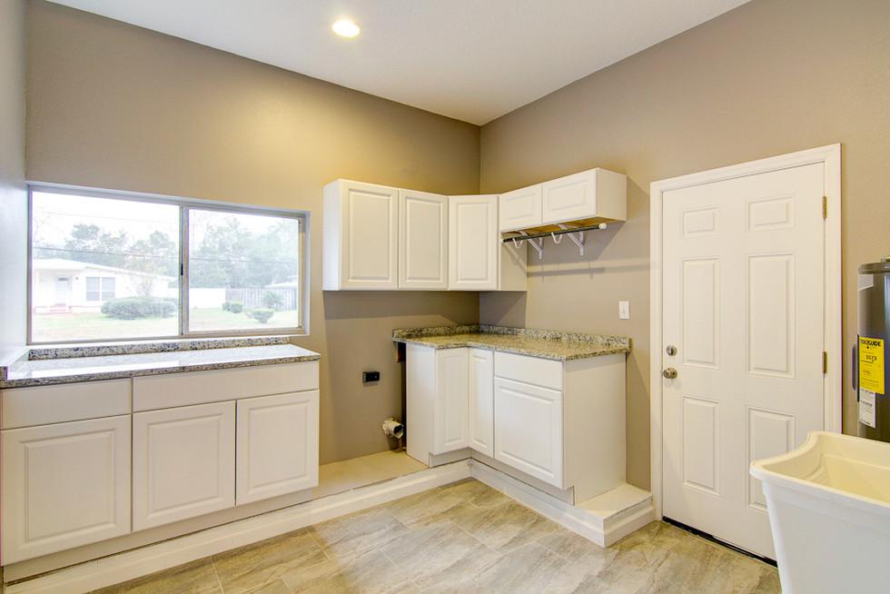 Granite laundry room countertops