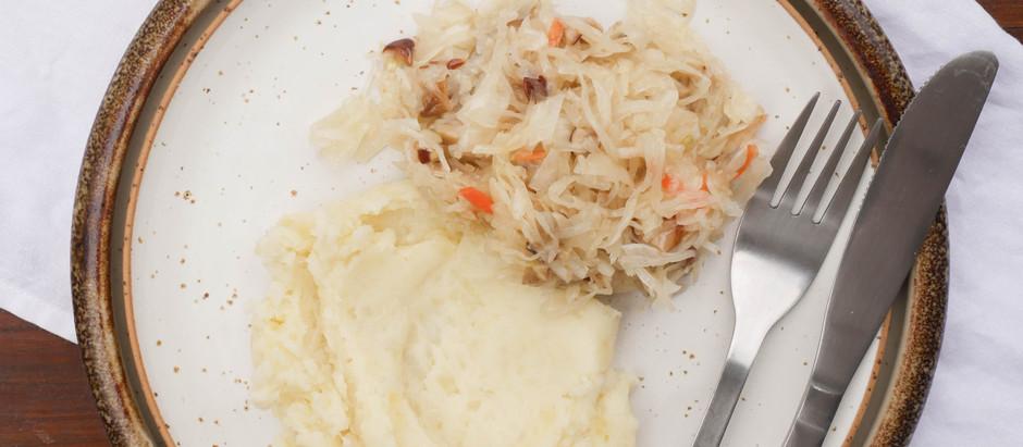 #7 sałatka z kiszonej kapusty z marynowanymi grzybkami (borowikami)