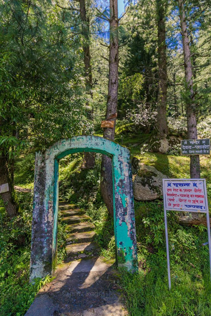 temple entrance in barot valley in himachal pradesh