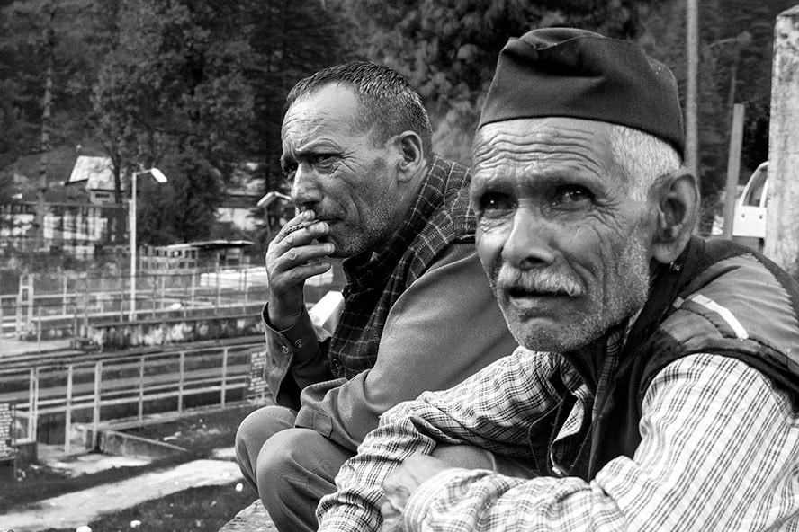 village men in barot valley in himachal pradesh