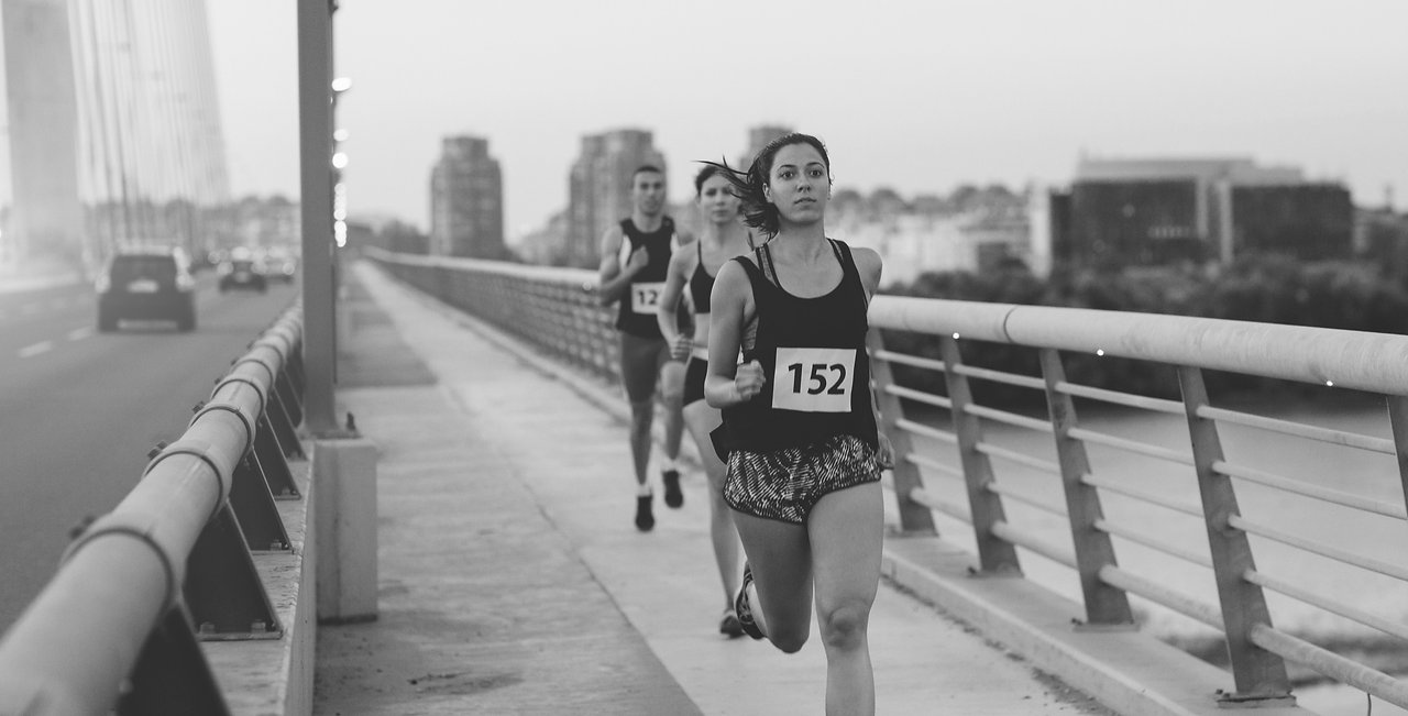 Marathon%20Runners_edited.jpg