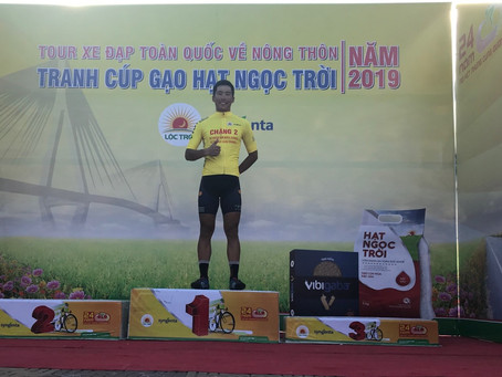 ve nong thon stage3  we made sprint massif and bilguun keep yellow.