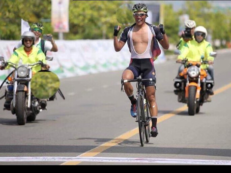 ve nong thon stage 2 bilguun 25km solo and got stage win and yellow jersey today.