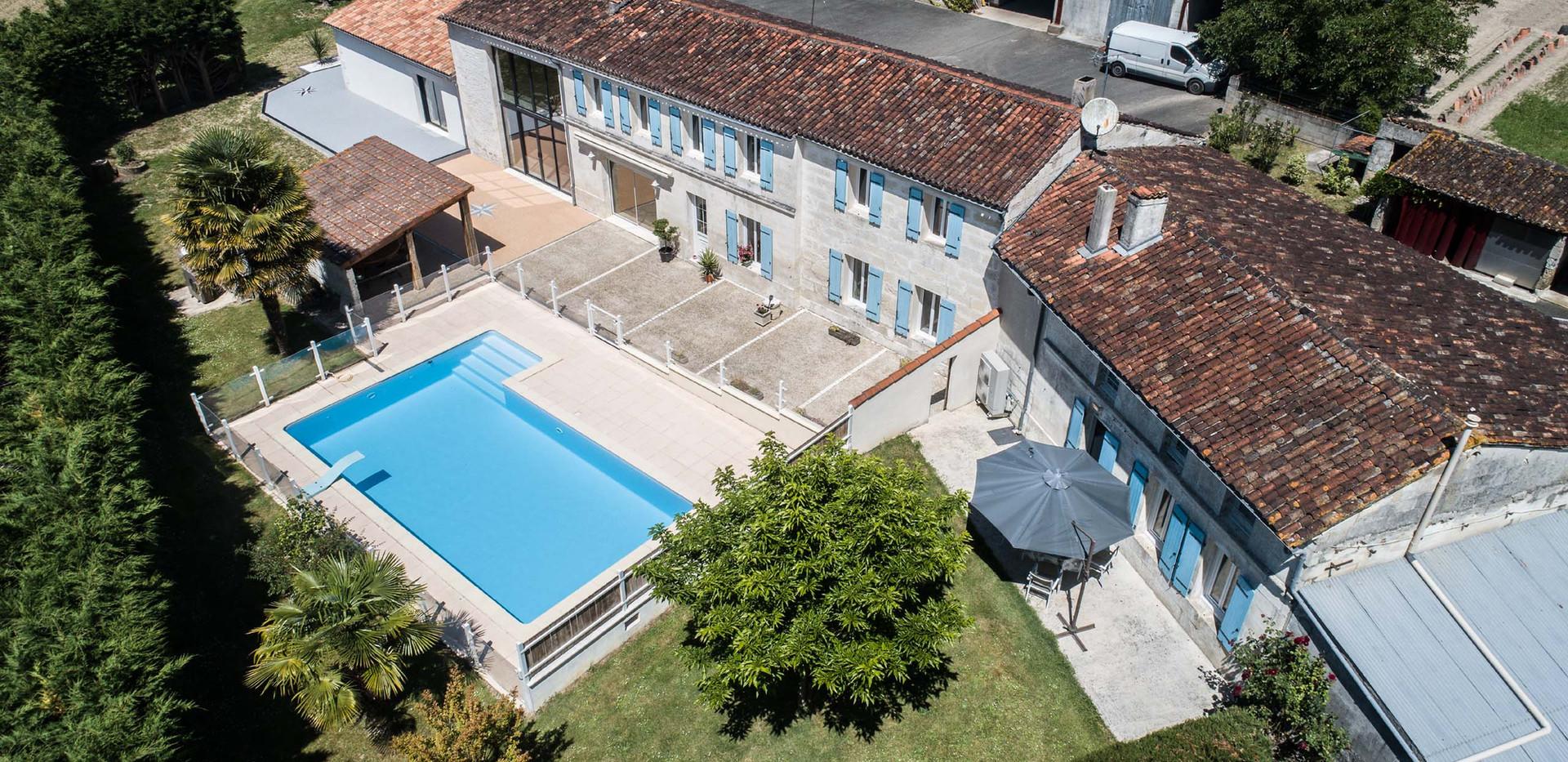 chambres d'hôtes à Saintes avec piscine