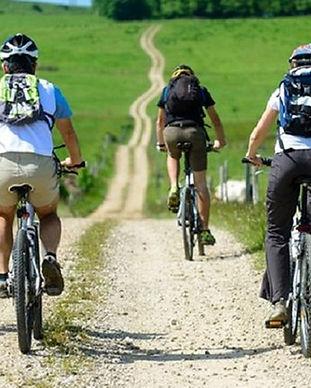 flow vélo se loger saintes , golf de saintes se loger , sejour golfique saintes , voyage a velo , gite motards