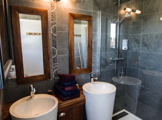 salle de bain privative suéprieure