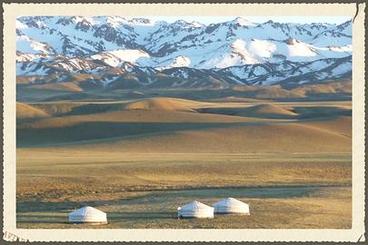 voyage,mongolie,yourte,nomade,mongol,steppes,gobi,khuvsgul,orkhon,arkhangai,monastère,chevaux,cheval,yak,mouton,chèvre,baikal,altaï,montagne,agence,trek,galoper,chameau,dromadaire,asie,backpackers,voyage sur mesure mongolie,kazakhes,tsaatans,aigles