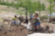 famille rencontre avec les enfants nomad