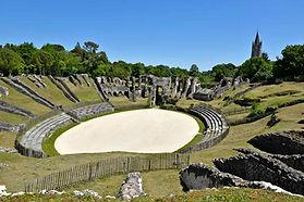 l-amphithe-a-tre-de-saintes-construit-de-40-50-apre-s-j-c.jpg