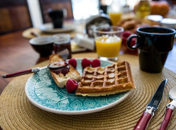 petit déjeuner local et maison