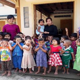 Thilawa Montessori children and teachers.