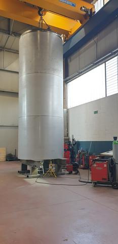 Seed oil tank