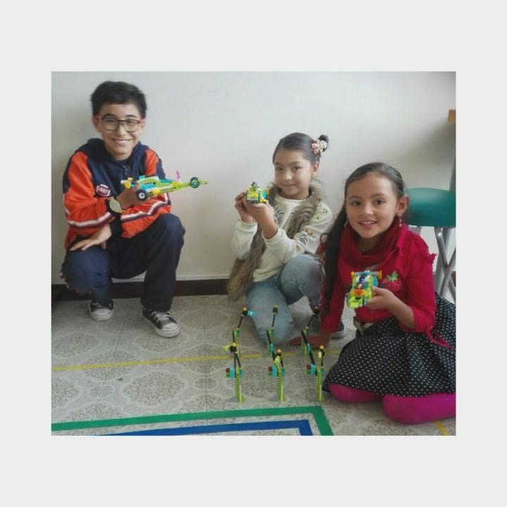 Academia de Robótica Educativa Lmac Pasto, agradece la confianza depositada en nosotros en este 2018, y les desea a todos y cada uno, un feliz y bendecido 2019, seguiremos trabajando por la niñez y la juventud, seguiremos sembrando la semilla de los