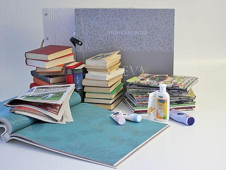 Recycling von Büchern, Tapeten und Illus
