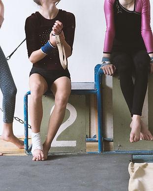 Las niñas en un gimnasio