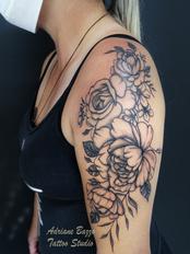 rosas-roses-braço-feminino-woman--tatuagem-tattoo-adriane-bazzo.png