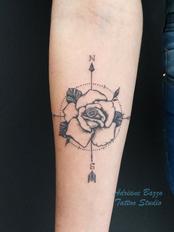 rosa-dos-ventos-tattoo-tatuagem-adriane-bazzo.png