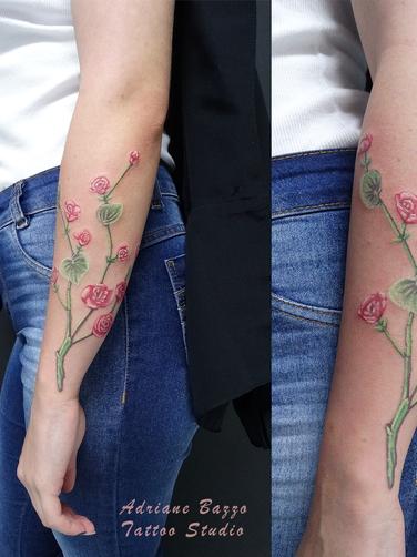 tattoo-tatuagem-antebraço-flores-colorida-adriane-bazzo.png