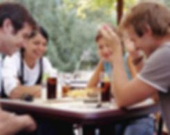 אכילה חברתית | אכילה במסעדות | אכילה מהנה|