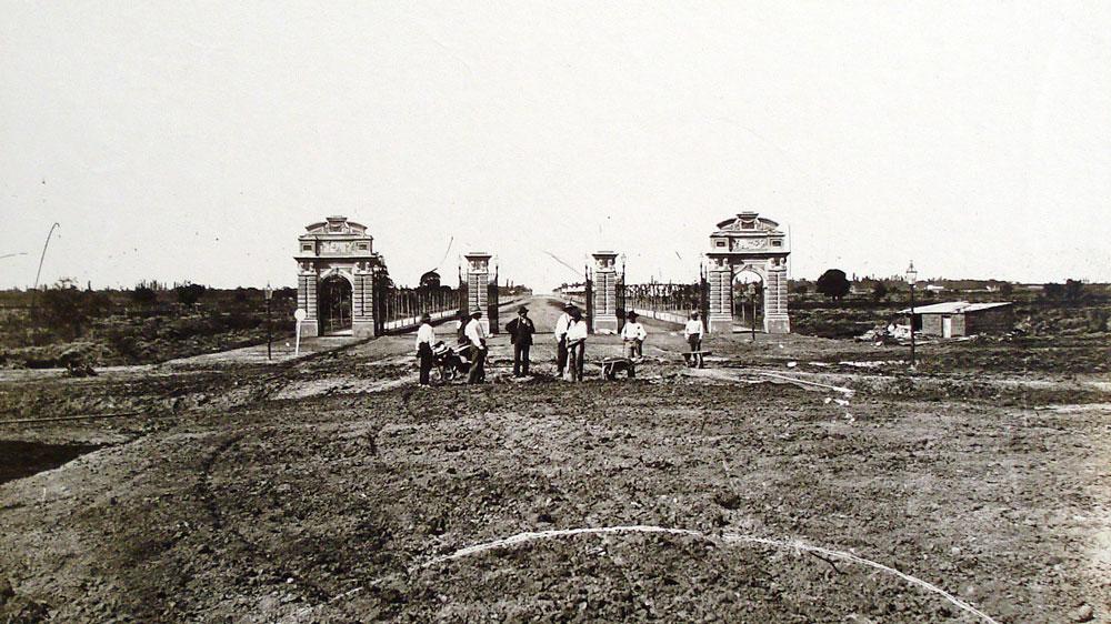 Portones_de_Palermo_(1875)