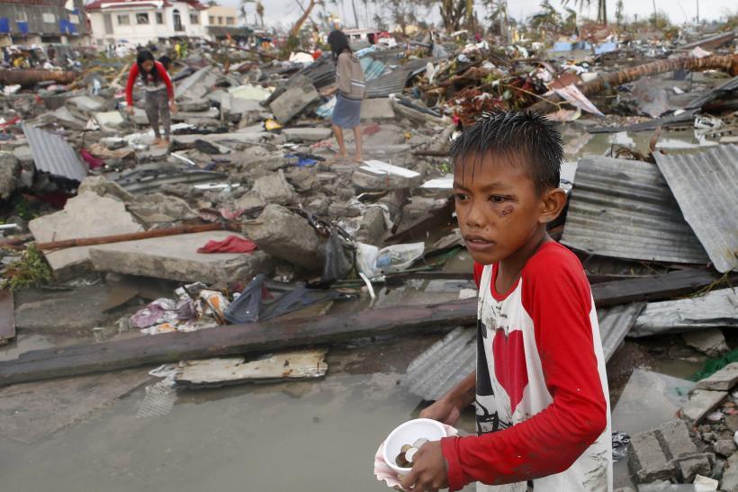 philippines-typhoon-10nov2013.jpg