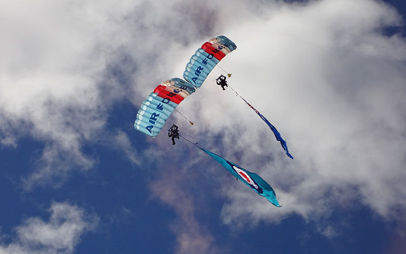 warbirds_experience_2_rnzaf_skydivers__0