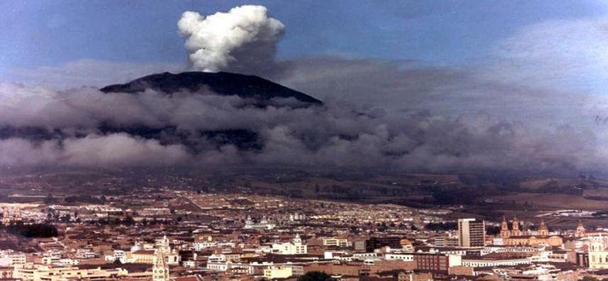 nevado-del-ruiz-volcanic-eruption-colomb
