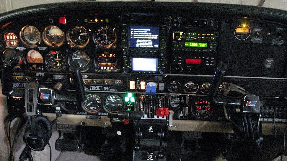 1977-Piper-Seneca-II-panel2.jpg