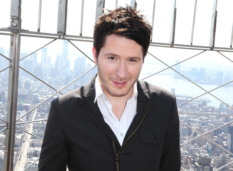 owl-city-tours-the-empire-state-building